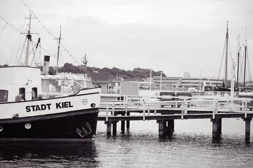 MS Europa 2 - Im Hafen in Kiel zur Einschiffung
