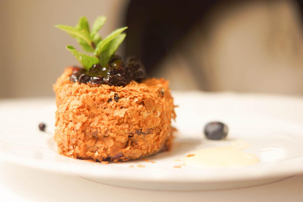 Grand-Café Dr. Zhivago - Blaubeerkuchen, Signature Dessert
