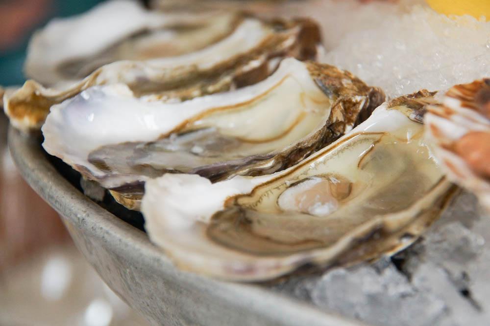 Los Caracoles Barcelona - Frische Austern und Weisswein, perfekt