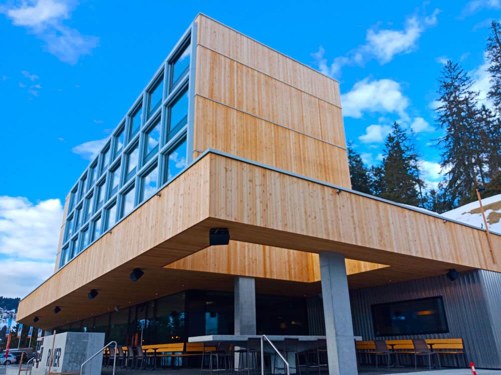 Revier Mountain Lodge Lenzerheide - Aussenansicht Hotel
