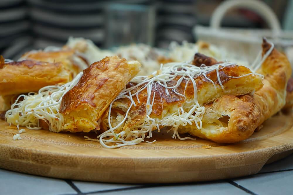 Chveni Restaurant Tiflis - Brot mit Käse