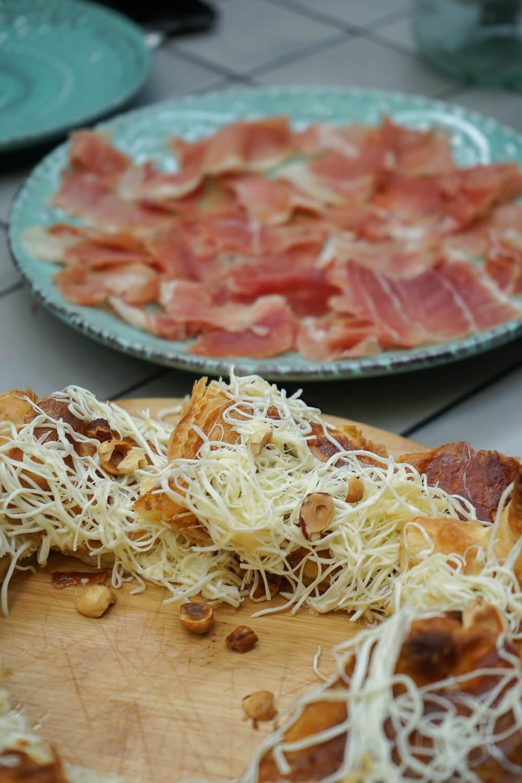 Chveni Restaurant Tiflis - Brote mit Käse und Schinken