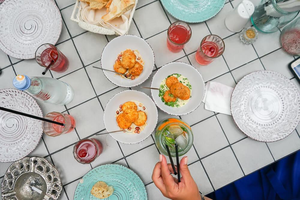 Chveni Restaurant Tiflis - Vorspeisen und Getränke