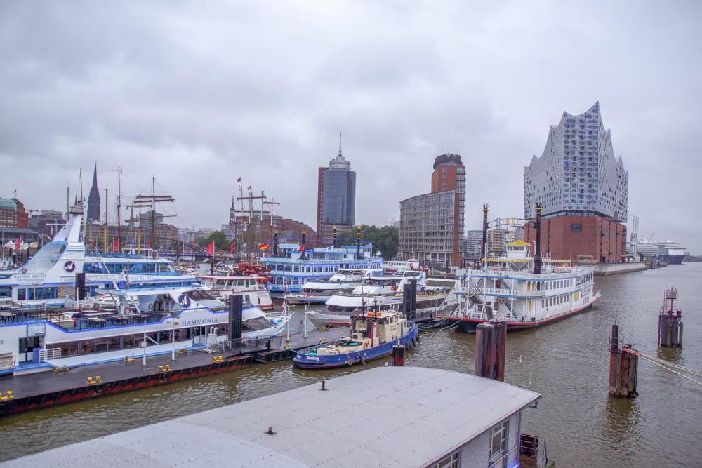 Hamburg Hafenansicht auf der MS EUROPA 2
