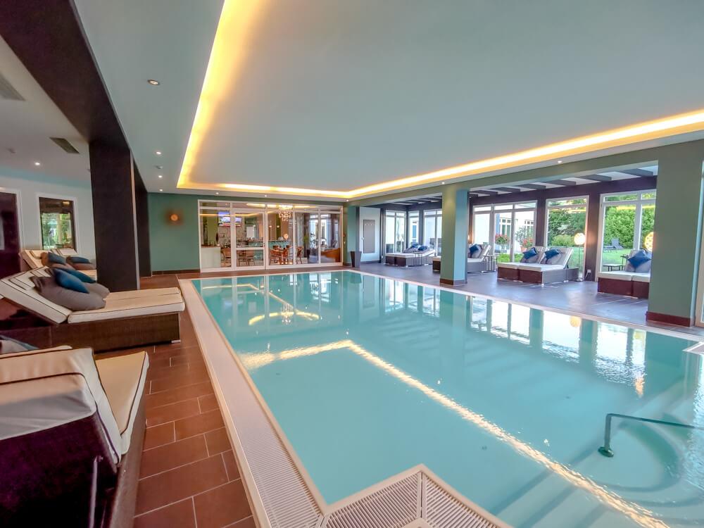 Hotel Holzapfel Bad Füssing - Pool innen