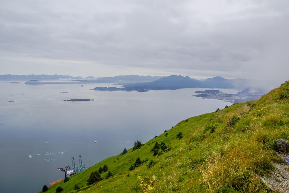 Kodiak, Alaska USA - Berge und Buchten