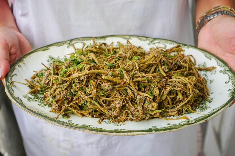 Supra Zeremonie, Georgien - Salat mit Walnusspaste