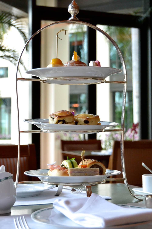 The Peninsula Bangkok - Teatime Etagere