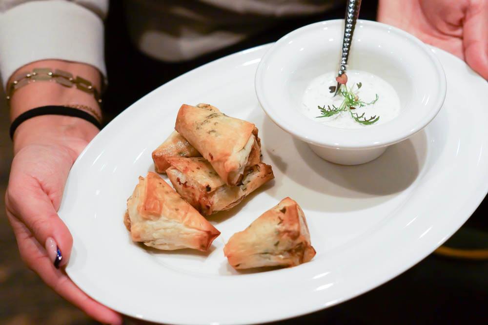 The Repa Restaurant - Gefüllte Teigtaschen mit Lamm