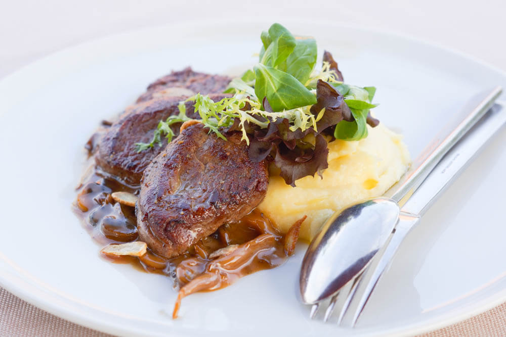 Chayka Restaurant, St. Petersburg - Filetstreifen, Demi Glace und Püree