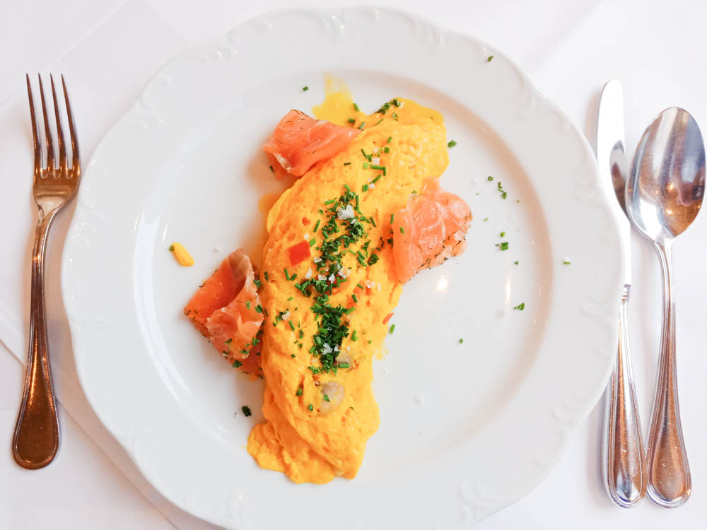 Waldhotel National in Arosa - Omelette mit Lachs