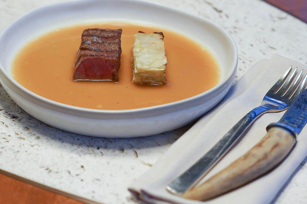 Twins Garden Restaurant Moskau - Dry-Aged Beef und Dry Aged Kohl