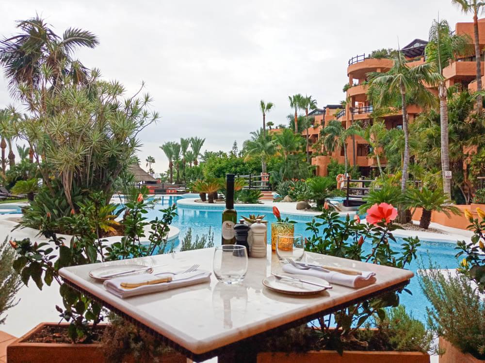 Kempinski Hotel Bahia - Frühstück am Pool