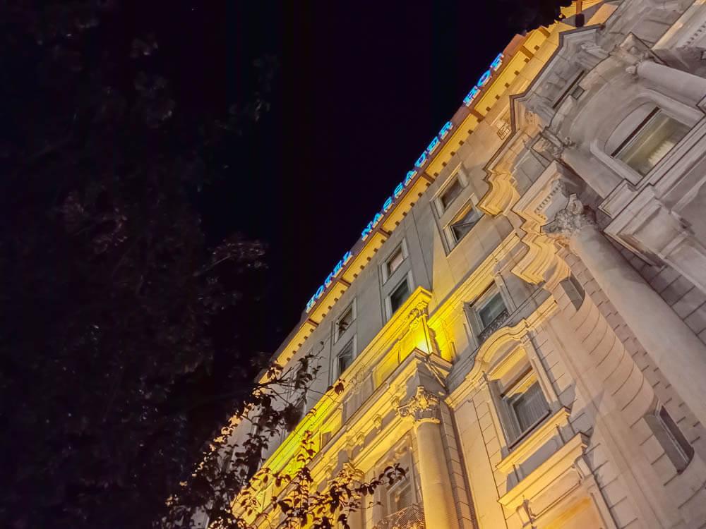Restaurant ENTE Wiesbaden - Nassauer Hof in der Nacht