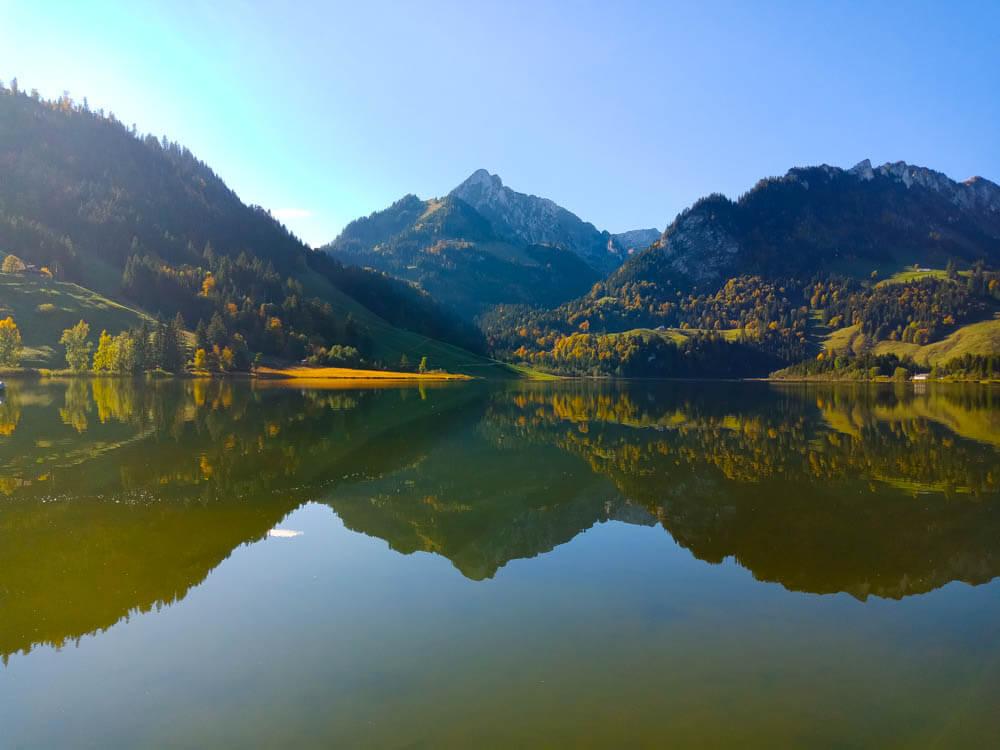 Schwarzsee Fribourg Region mit Bergwelt