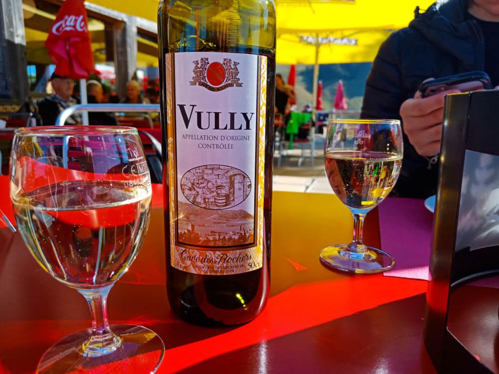 Wein aus dem Vully genießen