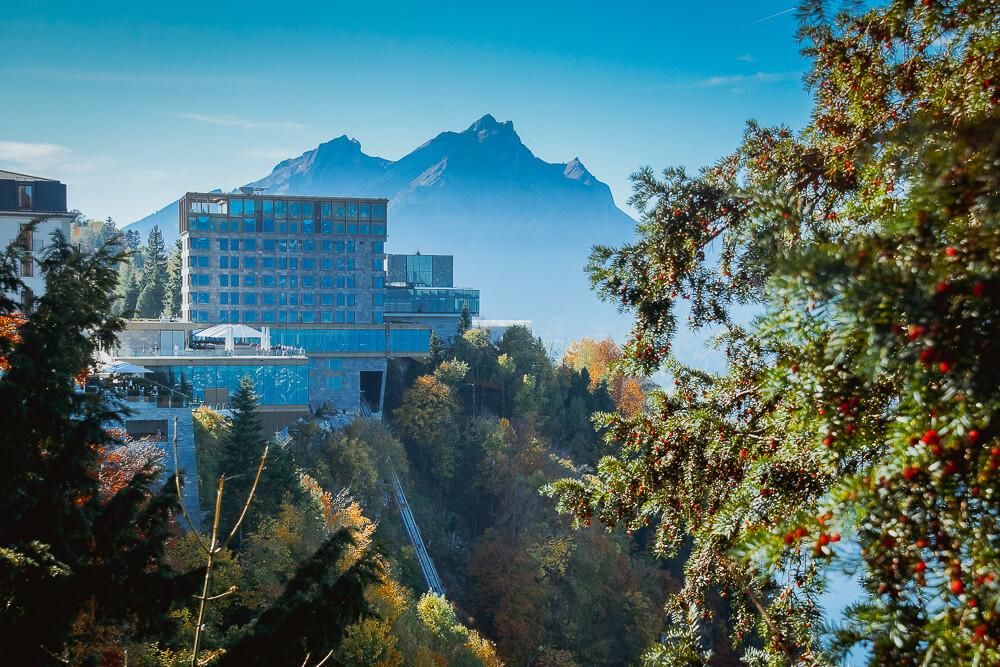 Bürgenstock Hotel - Aussicht vom Wanderweg zum Hotel