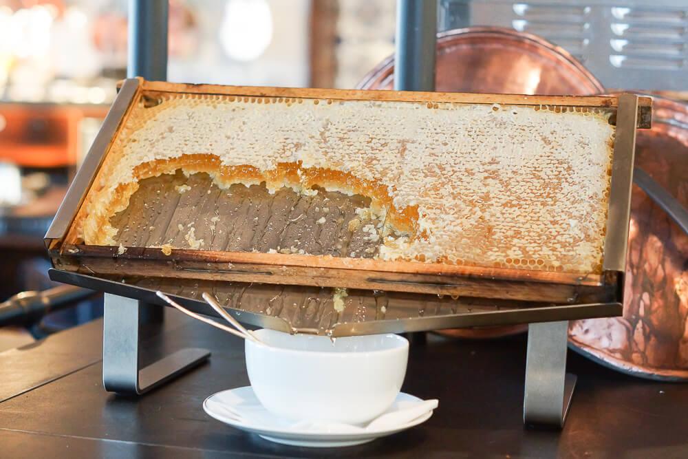 Bürgenstock Hotel -Honig aus der Wabe
