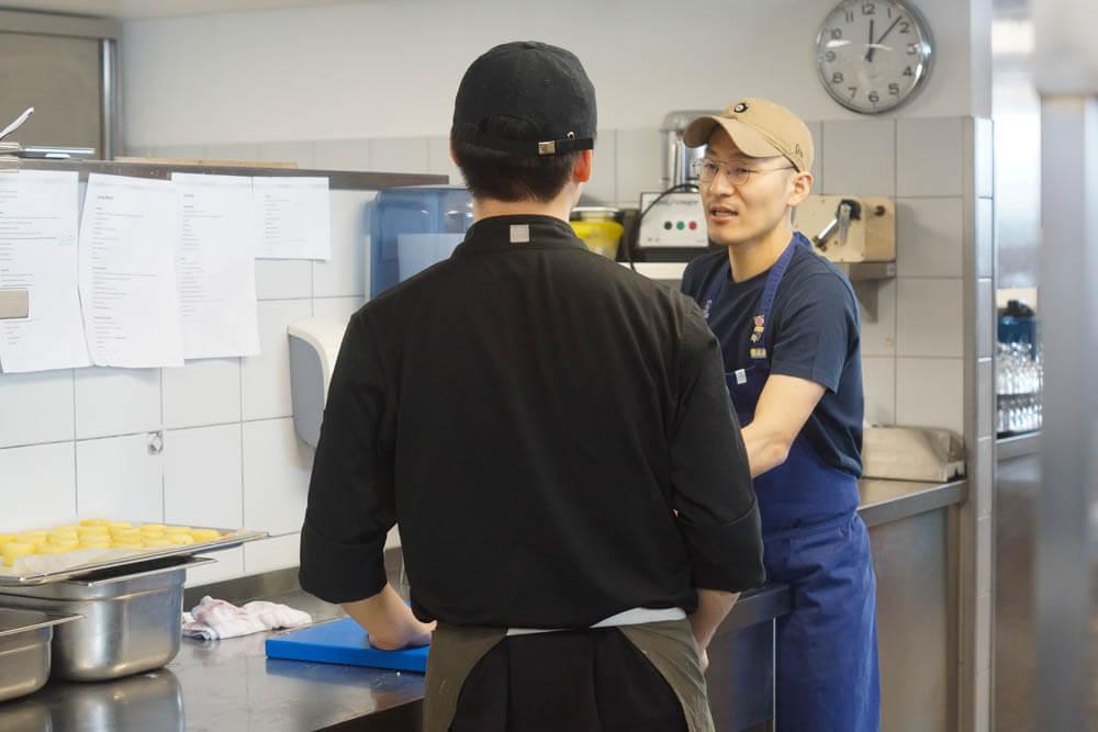 Mingoo Kang in der Küche