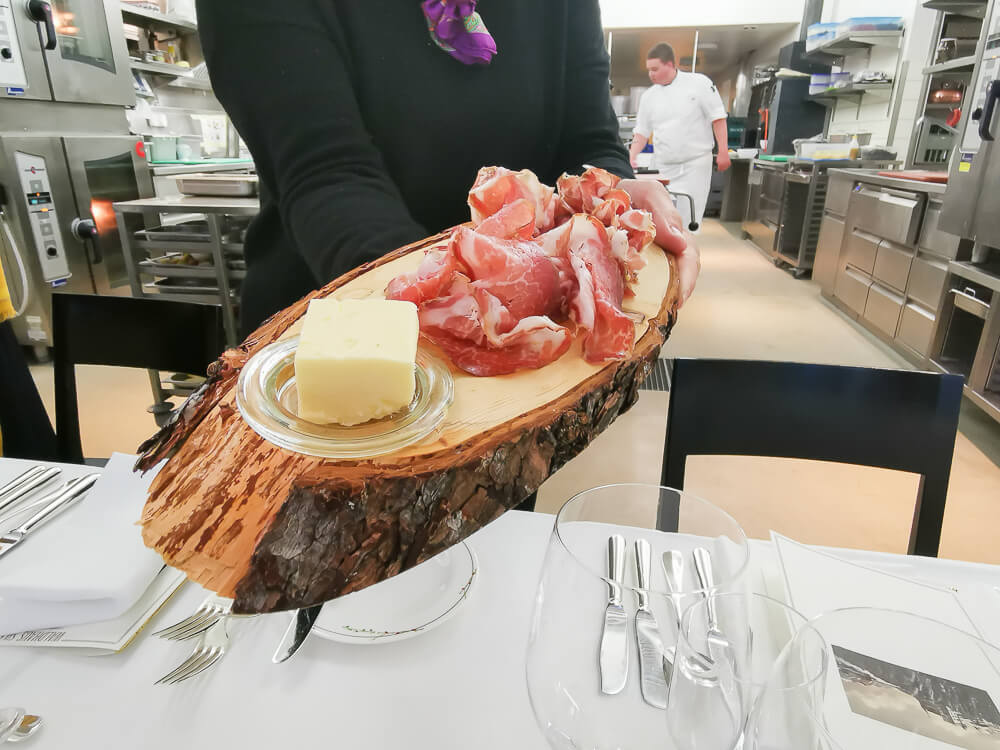 Waldhaus Sils Chefs Table - Coppa und Butter zum Start