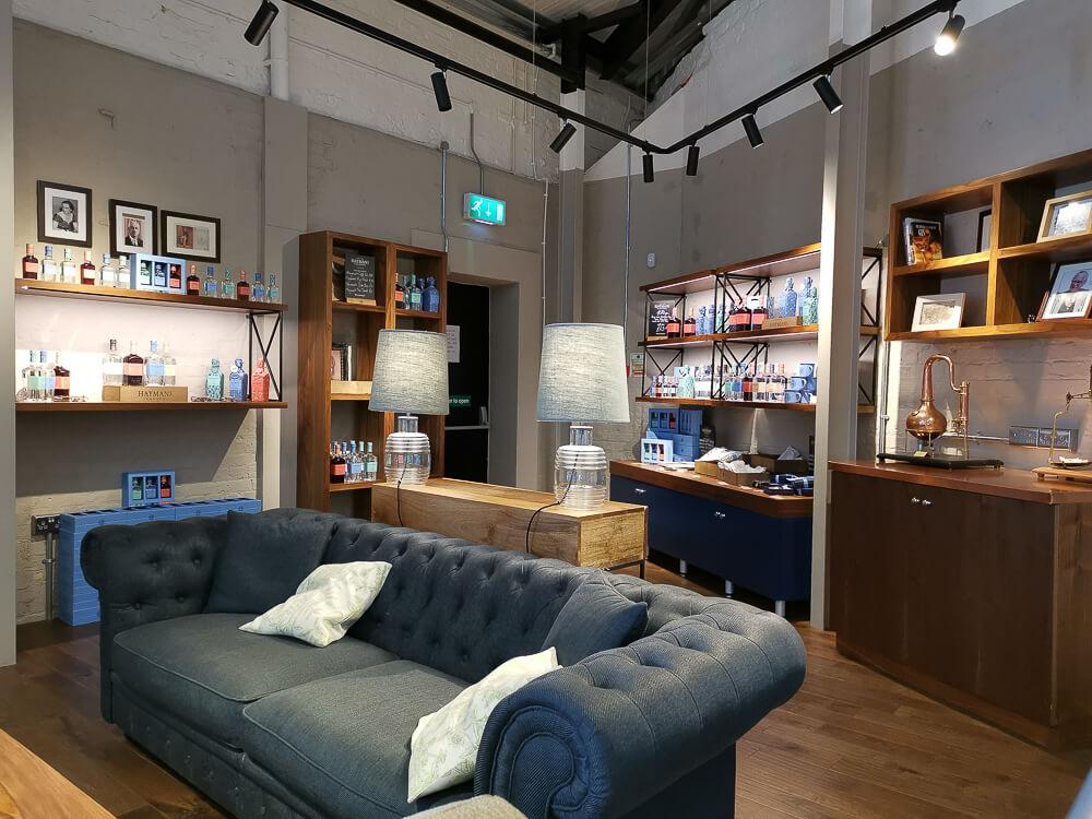 Haymans Gin - Lounge der Brennerei