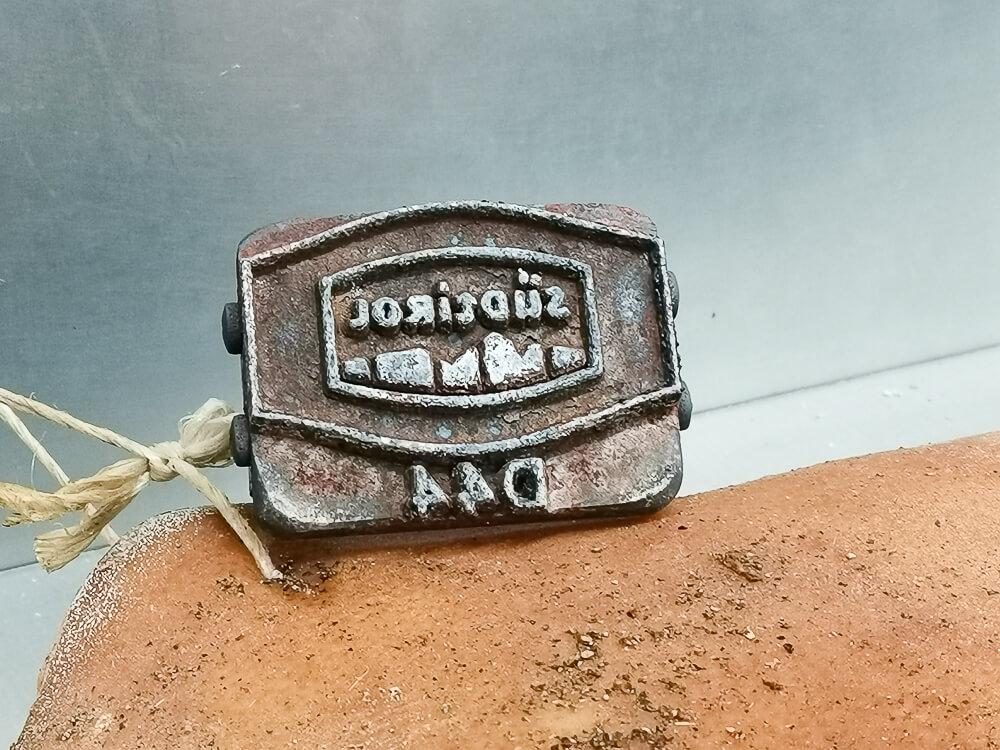 Speck aus Südtirol - Der Produktstempel, das Markenzeichen