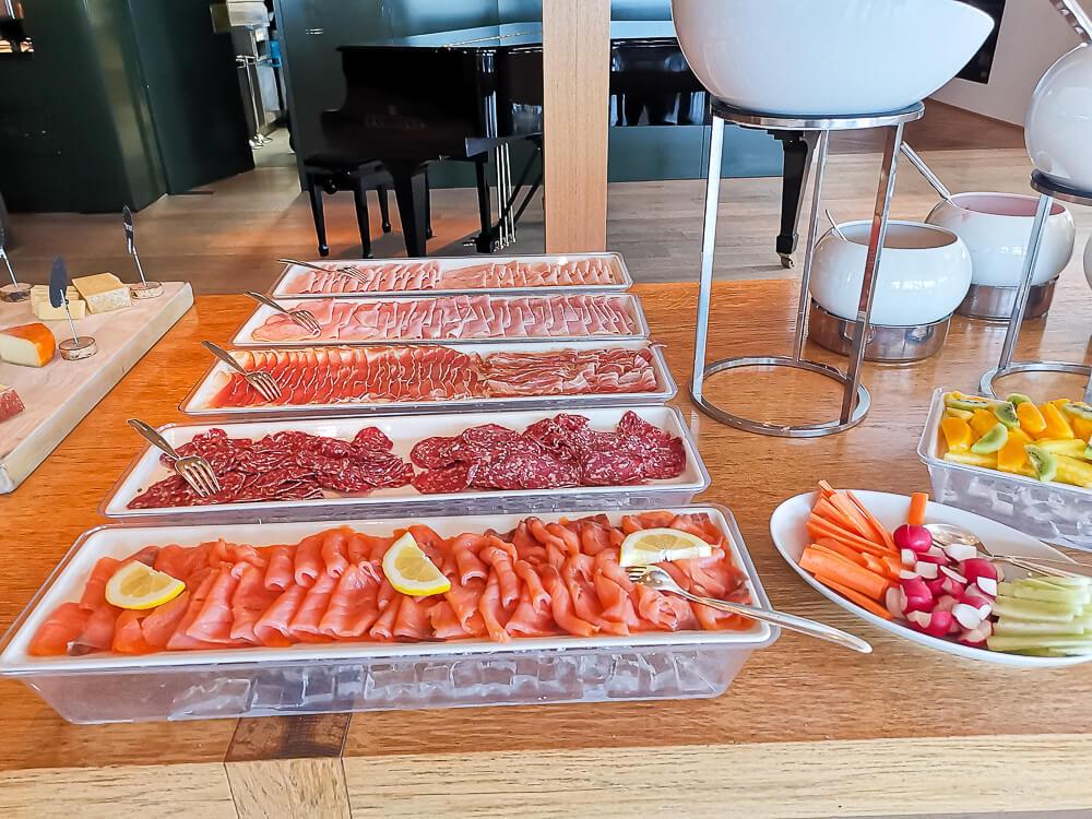 Parkhotel Bellevue & Spa Adelboden - Gourmet HP Fruehstueck