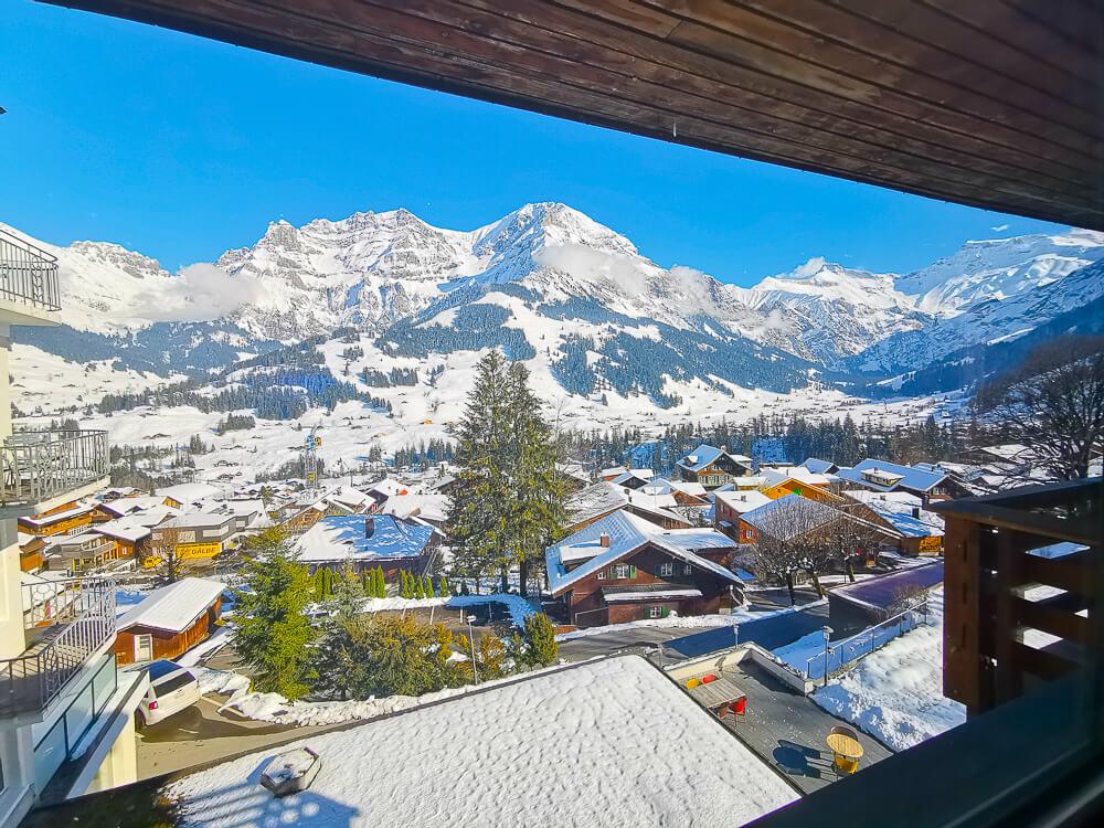 Parkhotel Bellevue & Spa Adelboden - Zimmer und Balkon