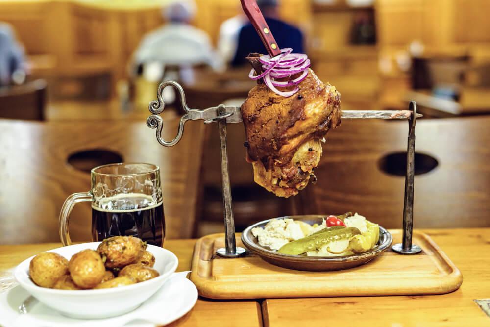 Zünftiges Prager Essen un Restaurants und Brauhäusern