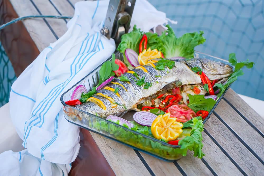 SCIC Sailing - Feiner Fisch zum Lunch