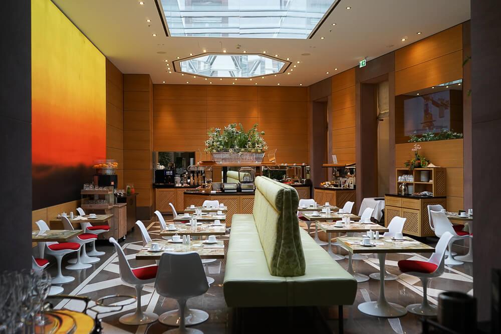 Derag Livinghotel De Medici - modernes Frühstücks Restaurant
