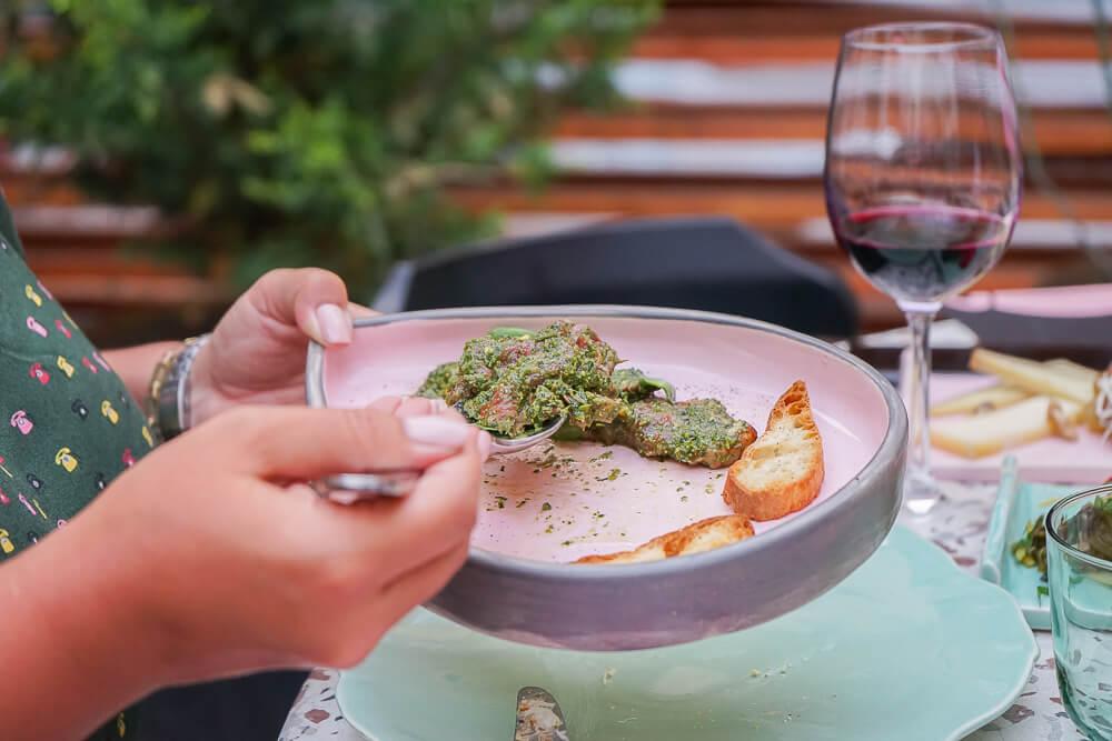 g.Vino Hotel & Restaurant Tiflis - Essen und Trinken auf feinem Niveau