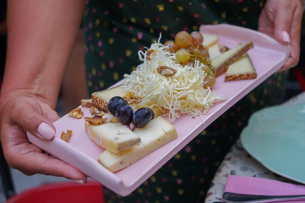 g.Vino Hotel & Restaurant Tiflis - georgischer Käse, ein MUSS