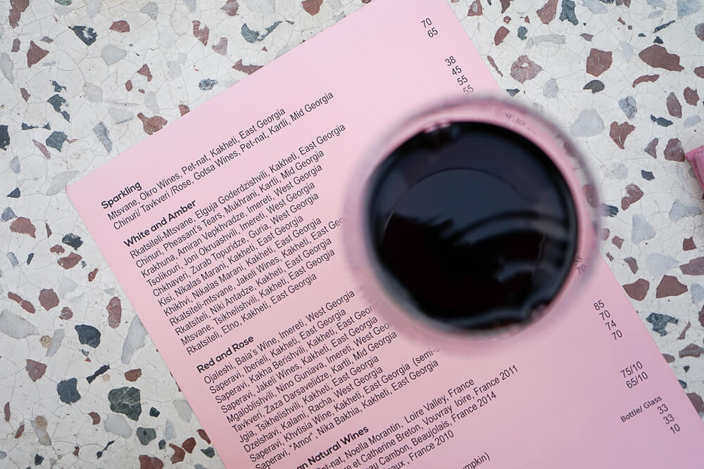 g.Vino Hotel & Restaurant Tiflis - großartige Weinkarte zum Verkosten