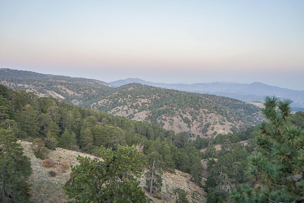 Tsiakkas Weingut Zypern - Blick über das imposante Troodos Gebirge