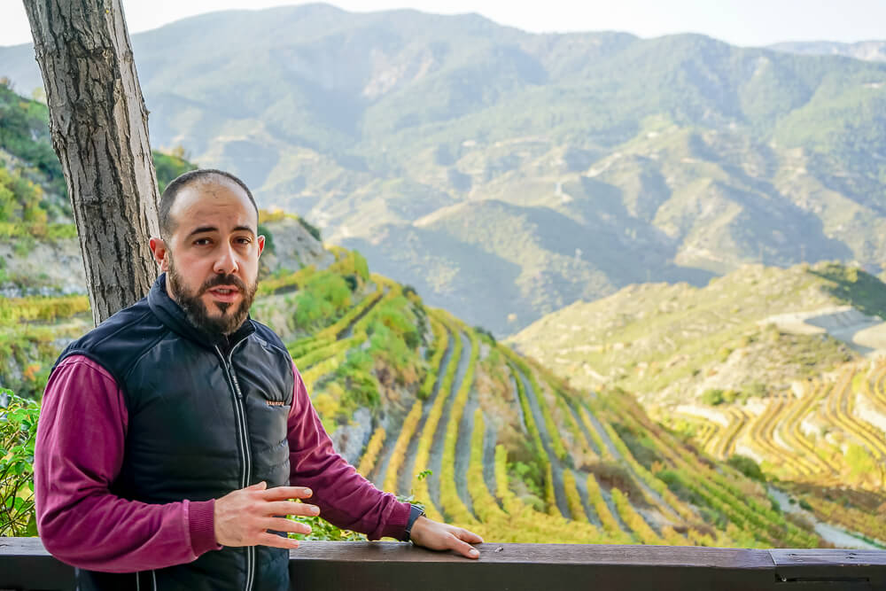 Tsiakkas Weingut Zypern - Orestis Tsiakkas im Weingut