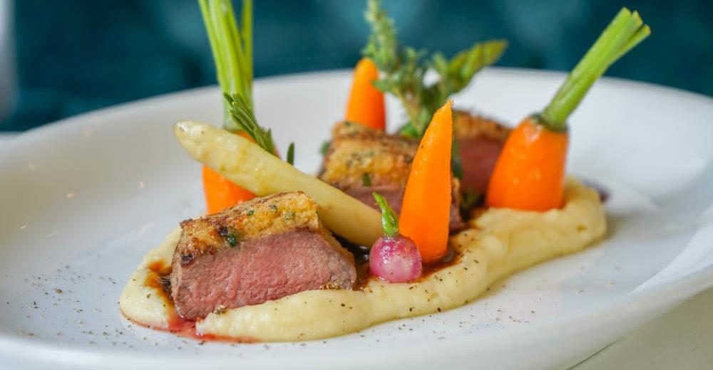Restaurant Holzapfel - Lammsattel, Petersilienmousse, Karotte