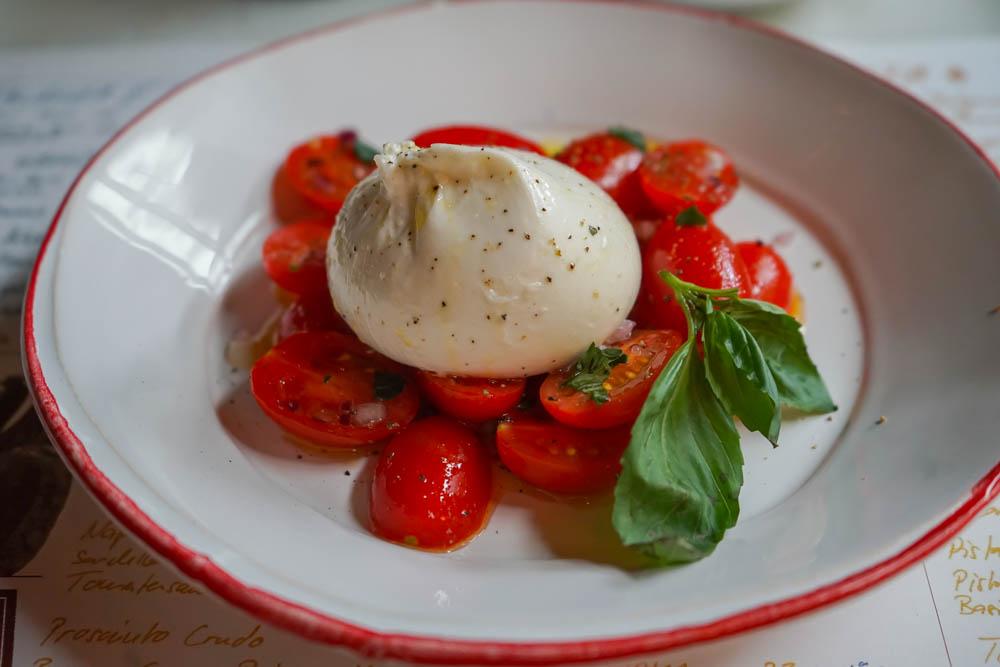 Göttlich cremige Burrata, beste Tomaten