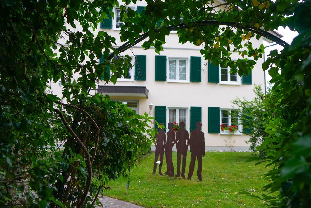 Hotel Restaurant Mühle in Binzen - Garten und lokale Kunst
