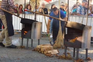 Kastanienfest in Ascona - Schlange stehen für frische Kastanien