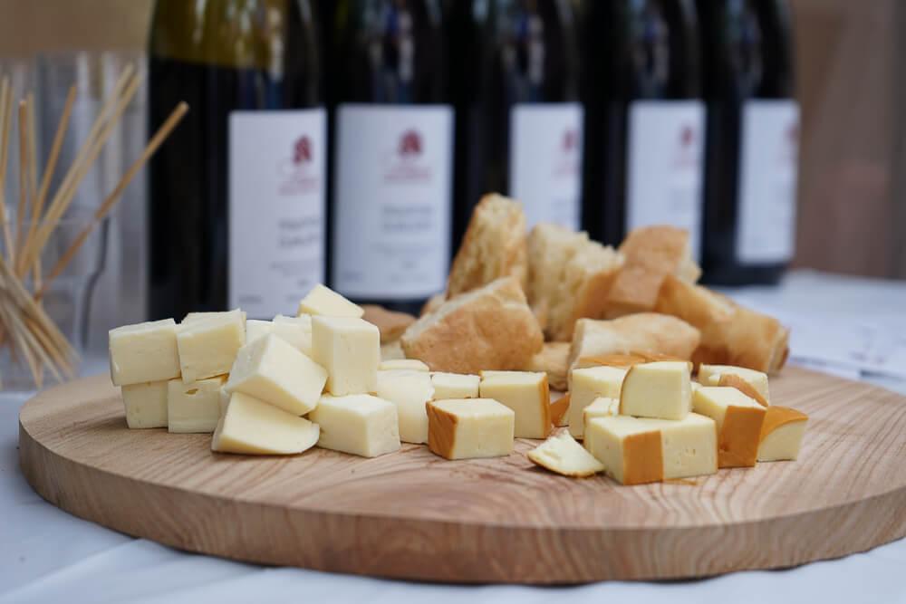 New Wine Festival in Tbilisi - Wein und Käse eine tolle Kombination