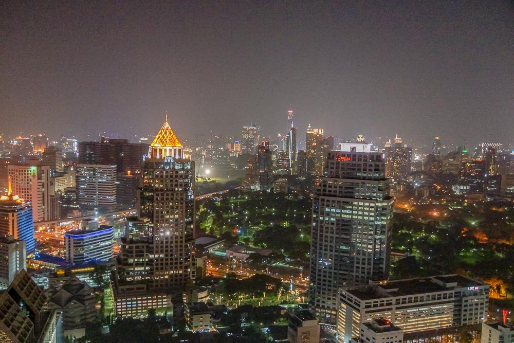 SO Sofitel Bangkok - Lumphini bei Nacht