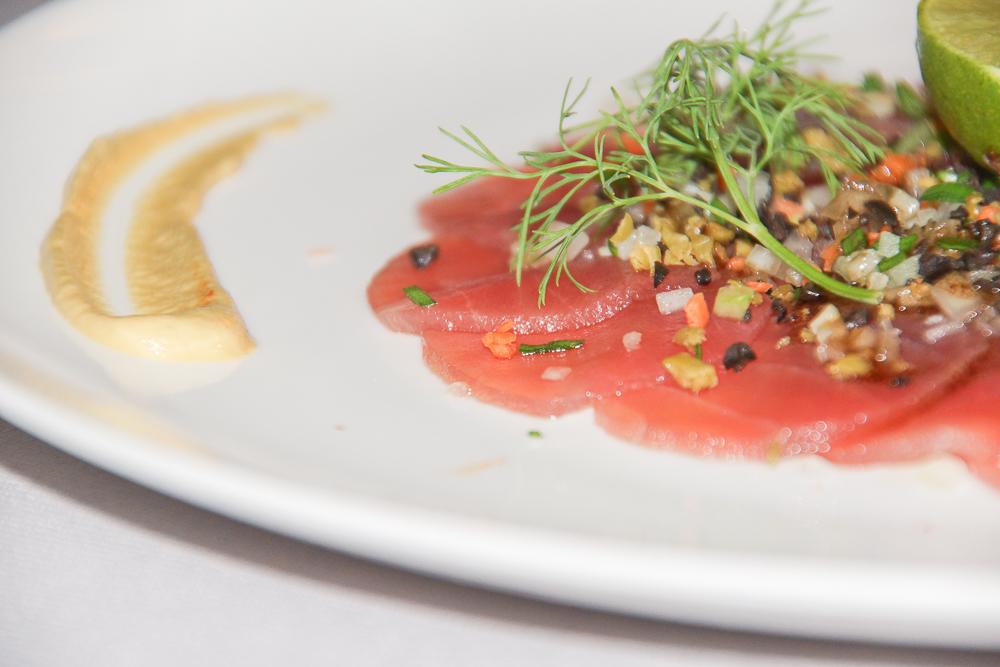 SO Sofitel Bangkok - Tuna Carpaccio aus dem Restaurant