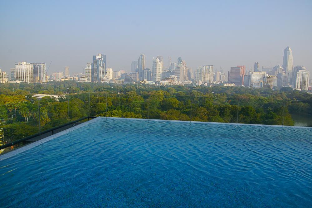 SO Sofitel Bangkok - bangkok und Lumphini Park vom Infinity Pool
