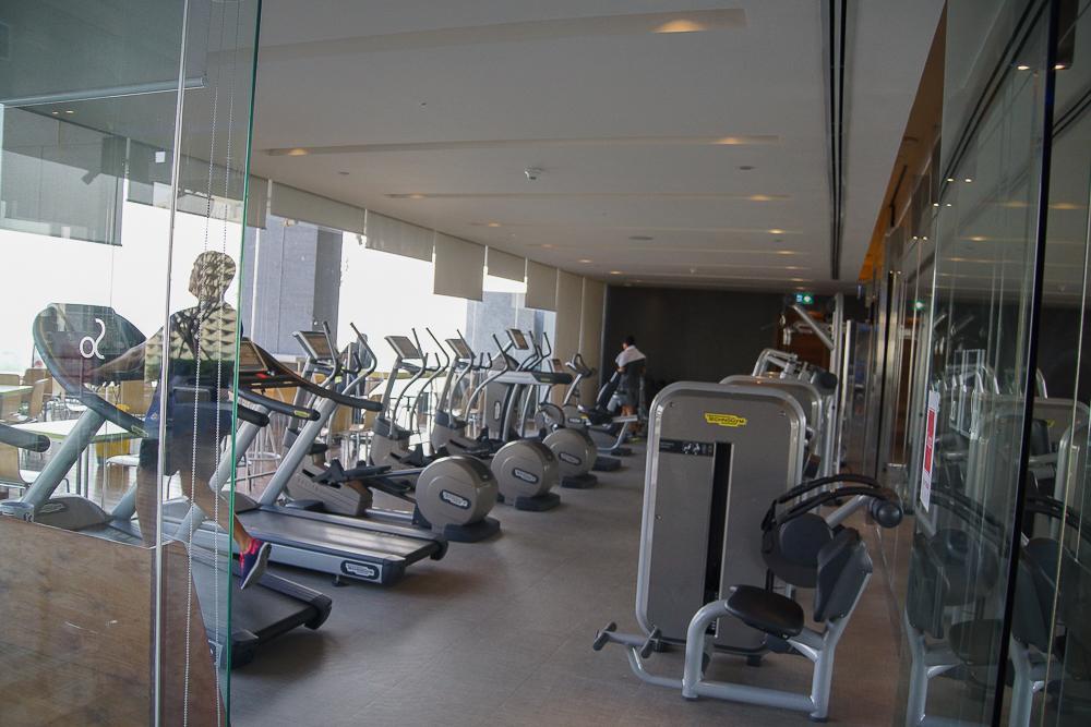 SO Sofitel Bangkok - toller Fitness Club mit Blick über Bangkok