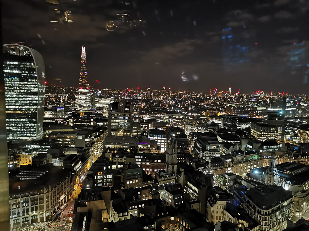 City Social Bar - City, London - Skyline von London bei Nacht