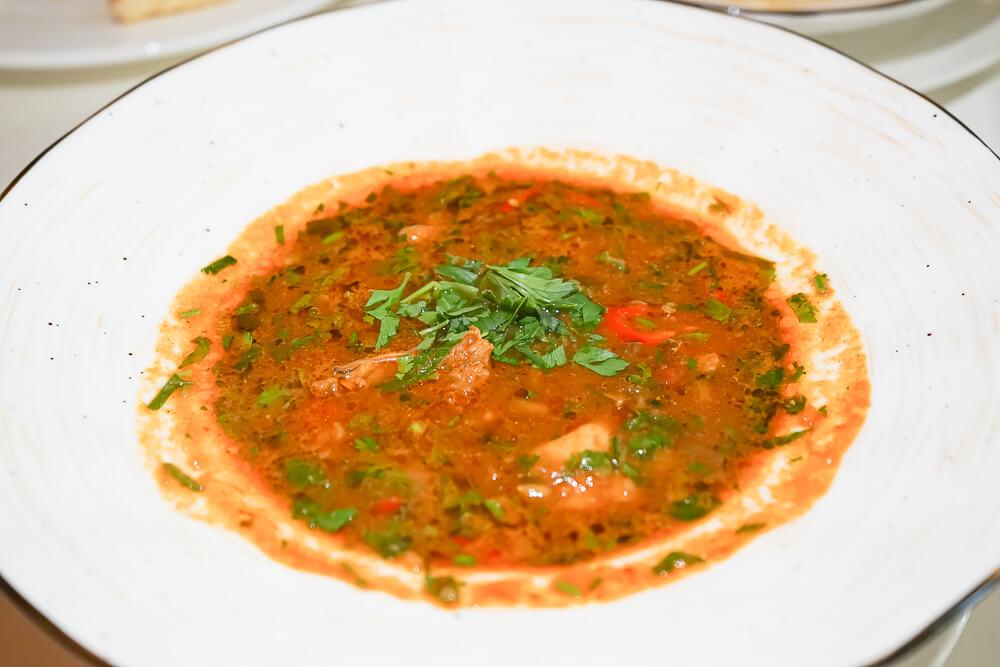 Mindal Café, St. Petersburg - Kaukasische Suppe, grandios kräftig