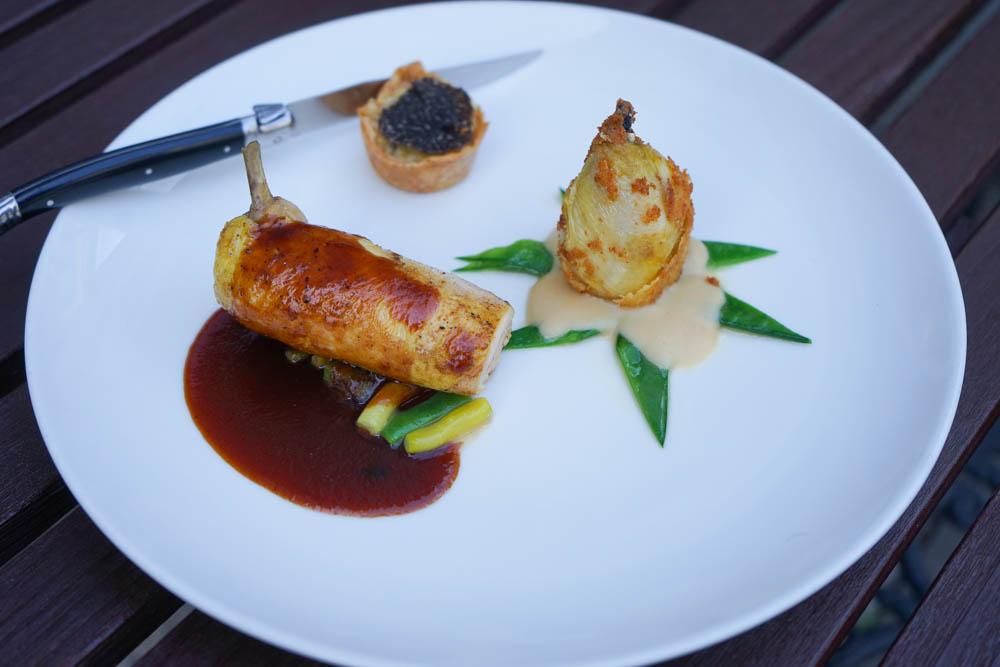 Restaurant Florhof, Zürich - Duo vom Mistkratzerl, Entenleber, Kartoffeltarte mit Australischem Trüffel, Bohnengemüse 1