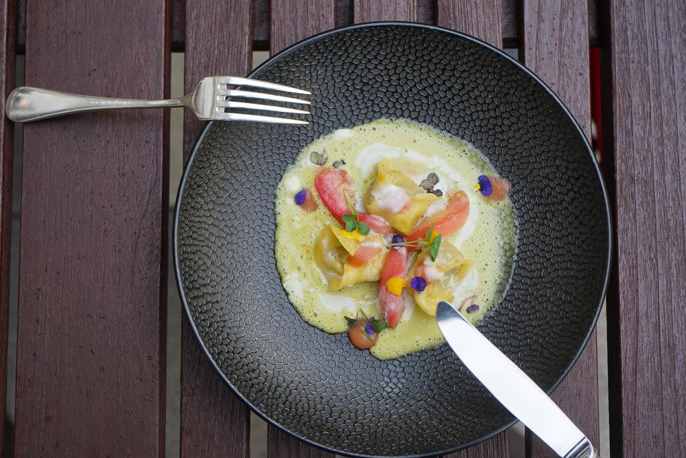 Restaurant Florhof, Zürich - Steinpilz Tortellini, Estragon Beurre blanc, Burrata, weißer Pfirsich