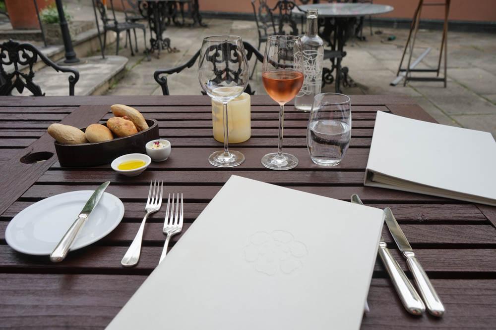 Restaurant Florhof, Zürich - Table Setting im Garten